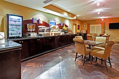 Restaurant | Holiday Inn Express Hotel & Suites Dallas South - Desoto