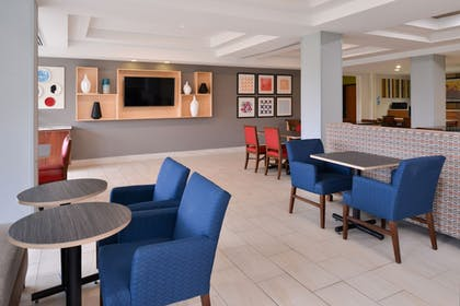 Restaurant | Holiday Inn Express & Suites Parkersburg-Mineral Wells