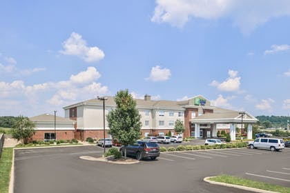 Exterior | Holiday Inn Express & Suites Parkersburg-Mineral Wells