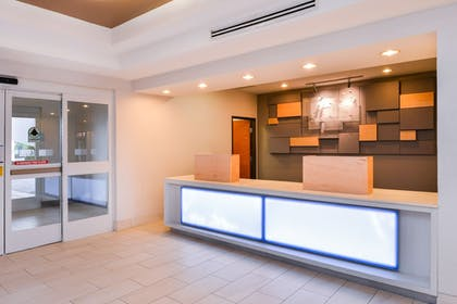 Interior Entrance | Holiday Inn Express & Suites Parkersburg-Mineral Wells