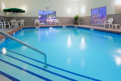 Pool | Holiday Inn Express & Suites Parkersburg-Mineral Wells