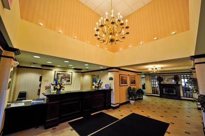 Featured Image | Holiday Inn Express Syracuse Airport
