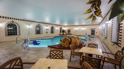 Pool | Holiday Inn Express & Suites Pampa
