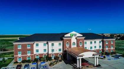 Featured Image | Holiday Inn Express & Suites Pampa