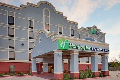 Exterior | Holiday Inn Express & Suites - Greenwood