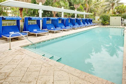 Outdoor Pool | Residence Inn by Marriott Fort Lauderdale Intracoastal/Il Lugano