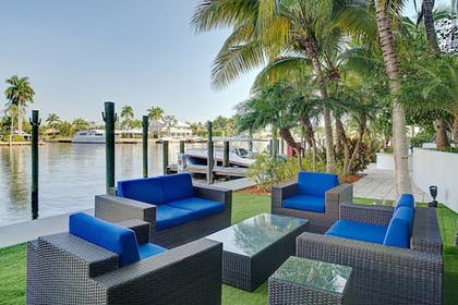 Property Grounds | Residence Inn by Marriott Fort Lauderdale Intracoastal/Il Lugano