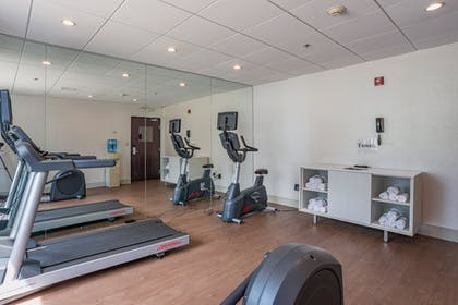 Fitness Facility | Holiday Inn Express Hotel & Suites Swansea