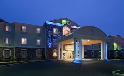 Exterior | Holiday Inn Express Hotel & Suites Swansea