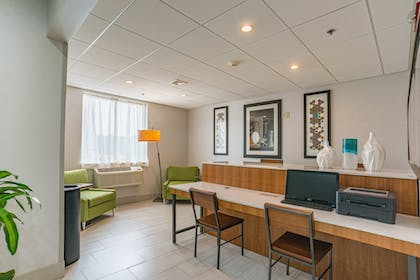 Business Center | Holiday Inn Express Hotel & Suites Swansea