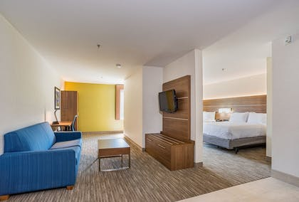 Room | Holiday Inn Express Hotel & Suites Swansea