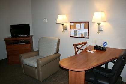 Living Area | Candlewood Suites Bordentown-Trenton