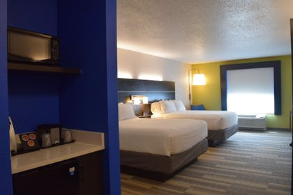 Guestroom | Holiday Inn Express Hotel & Suites Sparta