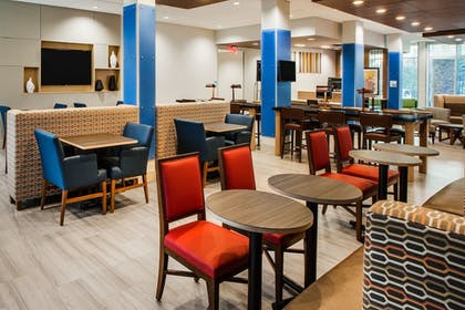 Lobby | Holiday Inn Express Hotel & Suites Sparta