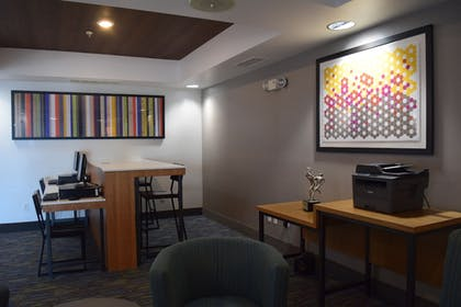 Business Center | Holiday Inn Express Hotel & Suites Sparta
