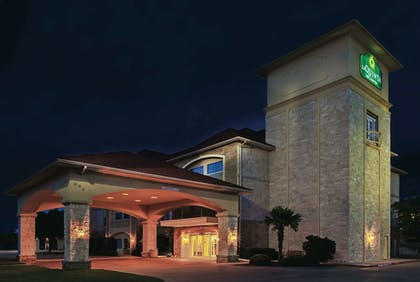 Featured Image | La Quinta Inn & Suites by Wyndham Granbury