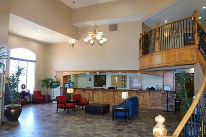 Lobby | Comfort Inn at Convention Center