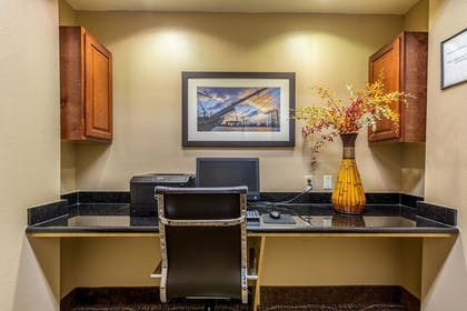 Business Center | Comfort Suites Galveston
