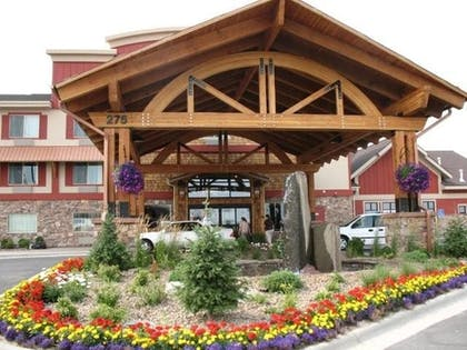 Hotel Entrance | Holiday Inn Express Kalispell