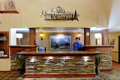 Lobby | Holiday Inn Express Kalispell