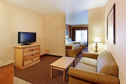 Living Area | Holiday Inn Express Kalispell
