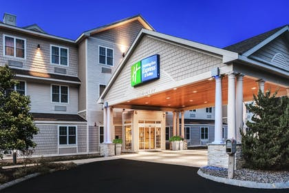 Exterior | Holiday Inn Express Hotel & Suites Seabrook