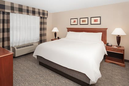 Guestroom | Holiday Inn Express Hotel & Suites Seabrook