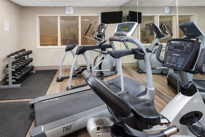 Fitness Facility | Holiday Inn Express Hotel & Suites Seabrook