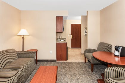 Room | Holiday Inn Express Hotel & Suites Seabrook