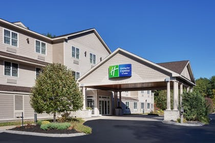 Featured Image | Holiday Inn Express Hotel & Suites Seabrook