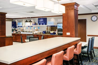 Restaurant | Holiday Inn Express Hotel & Suites Seabrook