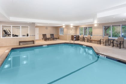 Pool | Holiday Inn Express Hotel & Suites Seabrook