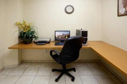 Business Center | Candlewood Suites Corpus Christi-Spid