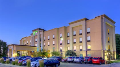 Exterior | Holiday Inn Express & Suites Sioux City - Southern Hills