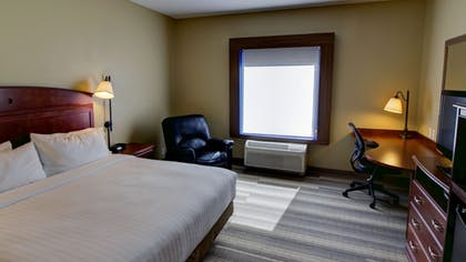 Guestroom | Holiday Inn Express & Suites Sioux City - Southern Hills
