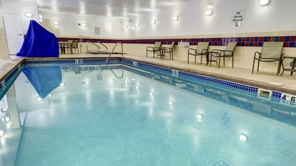 Pool | Holiday Inn Express & Suites Sioux City - Southern Hills