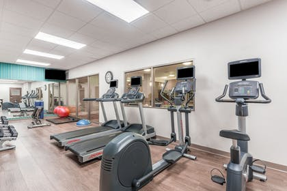 Fitness Facility | Holiday Inn Express & Suites Eau Claire North