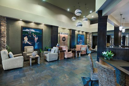 Lobby Lounge | Oxford Suites Silverdale