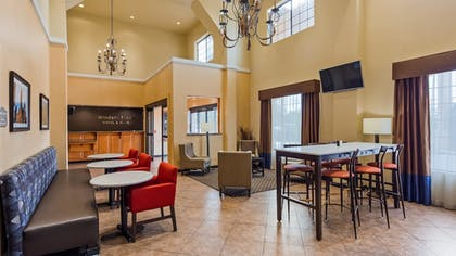 Lobby | Best Western Windsor Pointe Hotel & Suites-at&t Center
