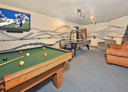 Sports Facility | Laurel Point Resort by Capital Vacations