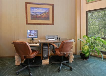 Business Center | Laurel Point Resort by Capital Vacations