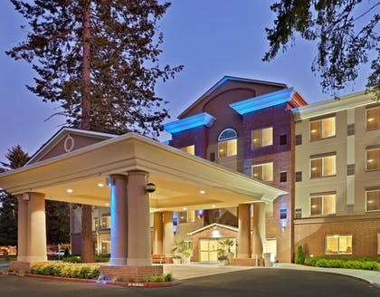 Exterior | Holiday Inn Express Hotel & Suites Lacey