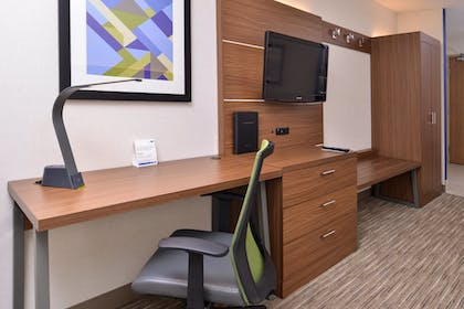 Guestroom | Holiday Inn Express Hotel & Suites Lacey