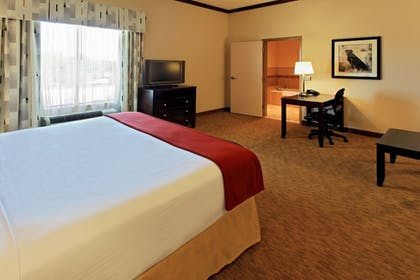 Guestroom | Holiday Inn Express Hotel & Suites Cleburne