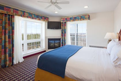 Guestroom   Holiday Inn Express & Suites Petoskey