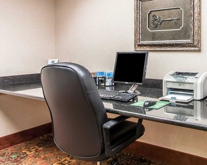 Business Center | Comfort Inn & Suites Quail Springs