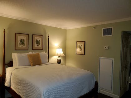 Guestroom | Governors Inn