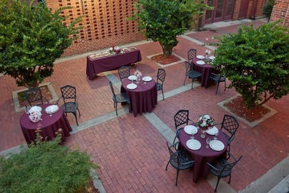 Outdoor Dining | Governors Inn