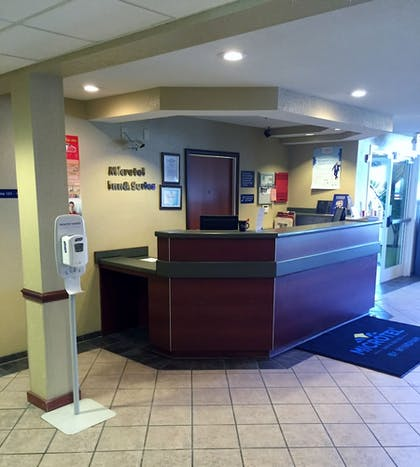 Reception | Microtel Inn & Suites by Wyndham Beckley East