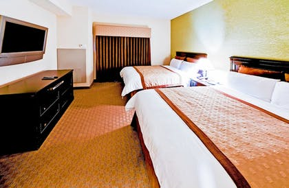 | 2 Queen Beds, Deluxe One Bedroom Suite, Non-Smoking | Hawthorn Suites by Wyndham Kingsland